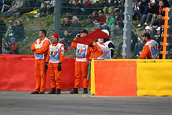 22.08.2014, Circuit de Spa, Francorchamps, BEL, FIA, Formel 1, Grand Prix von Belgien, Training, im Bild Streckenposten Schwenken Rote Flagge// during the Practice of Belgian Formula One Grand Prix at the Circuit de Spa in Francorchamps, Belgium on 2014/08/22. EXPA Pictures © 2014, PhotoCredit: EXPA/ Eibner-Pressefoto/ Bermel<br /> <br /> *****ATTENTION - OUT of GER*****