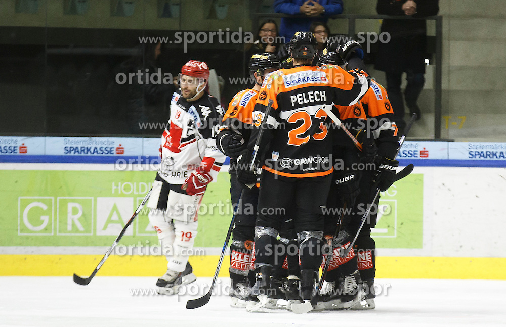 02.12.2016, Merkur Eisarena, Graz, AUT, EBEL, Moser Medical Graz 99ers vs HC TWK Innsbruck Die Haie, 25. Runde, im Bild von links Tyler Spurgeon (#19, HC TWK Innsbruck), Robin Weihager (#7, Moser Medical Graz 99ers), Matt Pelech (#23, Moser Medical Graz 99ers), Daniel Woger (#51, Moser Medical Graz 99ers) und Oliver Setzinger (#91, Moser Medical Graz 99ers) // during the Erste Bank Icehockey League 25th Round match between Moser Medical Graz 99ers and HC TWK Innsbruck at the Merkur Ice Arena, Graz, Austria on 2016/12/02, EXPA Pictures © 2016, PhotoCredit: EXPA/ Erwin Scheriau