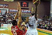 DESCRIZIONE : Casale monferrato Lega A 2010-11 Novipiu Casale Monferrato Angelico Biella<br /> GIOCATORE : Jacob Pullen<br /> SQUADRA :  Angelico Biella<br /> EVENTO : Campionato Lega A 2011-2012 <br /> GARA : Novipiu Casale Monferrato Angelico Biella<br /> DATA : 30/12/2011<br /> CATEGORIA : Penetrazione Tiro<br /> SPORT : Pallacanestro <br /> AUTORE : Agenzia Ciamillo-Castoria/ L.Goria<br /> Galleria : Lega Basket A 2011-2012  <br /> Fotonotizia : Biella Lega A 2011-12 Novipiu Casale Monferrato Angelico Biella<br /> Predefinita :