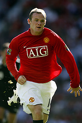 WAYNE ROONEY.MANCHESTER UNITED FC.MANCHESTER UNITED V READING.OLD TRAFFORD, MANCHESTER, ENGLAND.12 August 2007.DIQ64664..  .WARNING! This Photograph May Only Be Used For Newspaper And/Or Magazine Editorial Purposes..May Not Be Used For, Internet/Online Usage Nor For Publications Involving 1 player, 1 Club Or 1 Competition,.Without Written Authorisation From Football DataCo Ltd..For Any Queries, Please Contact Football DataCo Ltd on +44 (0) 207 864 9121
