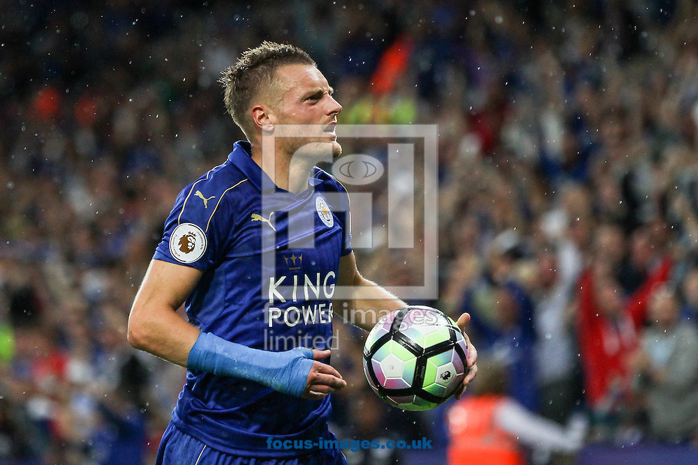 Jamie Vardy of Leicester City celebrates after scoring their first goal during the Premier League match at the King Power Stadium, Leicester<br /> Picture by Andy Kearns/Focus Images Ltd 0781 864 4264<br /> 27/08/2016