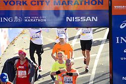 03-11-2013 ALGEMEEN: BVDGF NY MARATHON: NEW YORK <br /> De NY marathon werd weer een groot succes voor de BvdGf. Alle lopers hebben met prachtige tijden de finish gehaald / Rob finisht in 4:20:04<br /> ©2013-FotoHoogendoorn.nl
