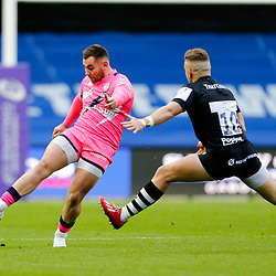 Stade's Joris Segonds kicks ahead during the European Rugby Challenge Cup, Pool 4 match between Bristol Bears and Stade Francais Paris on December 7, 2019 in Bristol, United Kingdom. (Photo by Richard Lane/Icon Sport) - Ashton Gate - Bristol (Angleterre)