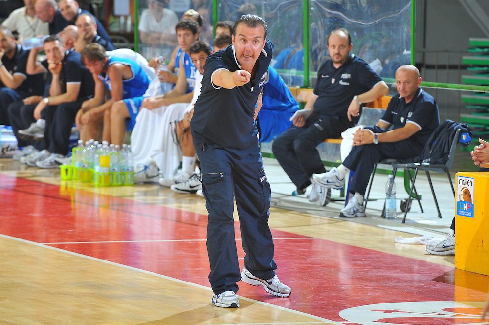 DESCRIZIONE : Firenze I&deg; Torneo Nelson Mandela Forum Italia Macedonia<br /> GIOCATORE : Simone Pianigiani Coach<br /> SQUADRA : Nazionale Italia Uomini <br /> EVENTO : I&deg; Torneo Nelson Mandela Forum <br /> GARA : Italia Macedonia<br /> DATA : 16/07/2010 <br /> CATEGORIA : Delusione<br /> SPORT : Pallacanestro <br /> AUTORE : Agenzia Ciamillo-Castoria/M.Gregolin<br /> Galleria : Fip Nazionali 2010
