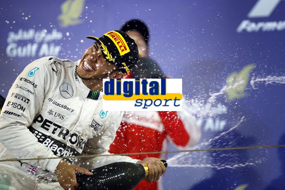 HAMILTON lewis (gbr) mercedes gp mgp w06 ambiance portrait PODIUM during 2015 Formula 1 FIA world championship, Bahrain Grand Prix, at Sakhir from April 16 to 19th. Photo Clément Marin / DPPI