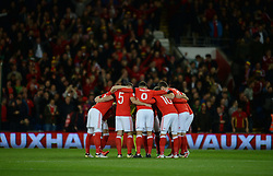 Wales team huddle in prior to kick off. - Mandatory by-line: Alex James/JMP - 12/11/2016 - FOOTBALL - Cardiff City Stadium - Cardiff, United Kingdom - Wales v Serbia - FIFA European World Cup Qualifiers