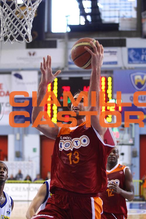 DESCRIZIONE : Cremona Lega A 2010-2011 Vanoli Braga Cremona Lottomatica Virtus Roma<br /> GIOCATORE : Luigi Datome<br /> SQUADRA : Lottomatica Virtus Roma<br /> EVENTO : Campionato Lega A 2010-2011<br /> GARA : Vanoli Braga Cremona Lottomatica Virtus Roma<br /> DATA : 20/03/2011<br /> CATEGORIA : Tiro<br /> SPORT : Pallacanestro<br /> AUTORE : Agenzia Ciamillo-Castoria/F.Zovadelli<br /> GALLERIA : Lega Basket A 2010-2011<br /> FOTONOTIZIA : Cremona Campionato Italiano Lega A 2010-11 Vanoli Braga Cremona Lottomatica Virtus Roma<br /> PREDEFINITA :