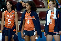 28-09-2014 ITA: World Championship Volleyball Mexico - Nederland, Verona<br /> Nederland wint met 3-0 van Mexico / Robin de Kruijf, Celeste Plak, Judith Pietersen