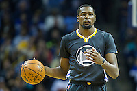 MEMPHIS, TN - DECEMBER 10:  Kevin Durant #35 of the Golden State Warriors dribbles the ball down the court during a game against the Memphis Grizzlies at the FedExForum on December 10, 2016 in Memphis, Tennessee.  The Grizzlies defeated the Warriors 110-89.  NOTE TO USER: User expressly acknowledges and agrees that, by downloading and or using this photograph, User is consenting to the terms and conditions of the Getty Images License Agreement.  (Photo by Wesley Hitt/Getty Images) *** Local Caption *** Kevin Durant