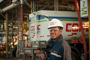 Trabajadores de Copec, Planta de Maipu. 17-12-2013 (©Alvaro de la Fuente/Triple.cl)
