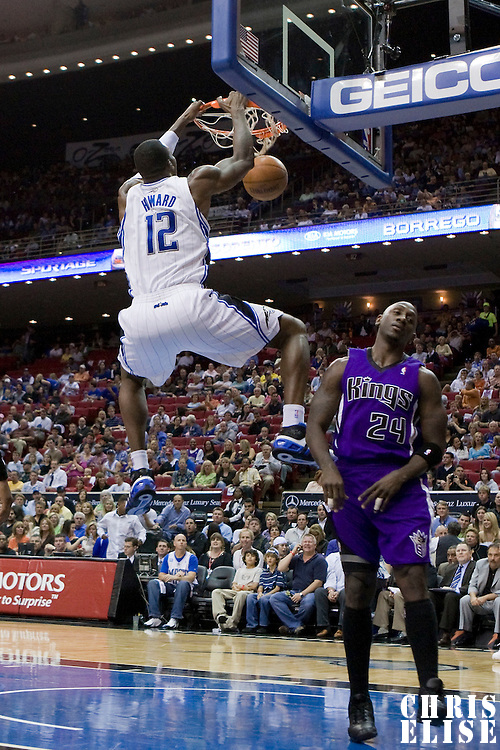 BASKETBALL - NBA - ORLANDO (USA) - 01/11/2008 -  .ORLANDO MAGIC V SACRAMENTO KINGS  (121-103) DWIGHT HOWARD  / ORLANDO MAGIC, BOBBY JACKSON / SACRAMENTO KINGS