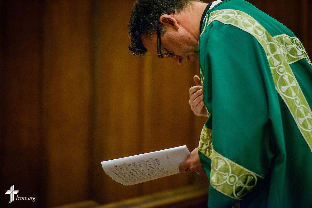 The Rev. Eric R. Andræ, prays before his sermon during worship at First Trinity Evangelical–Lutheran Church on Sunday, Nov. 20, 2016, in Pittsburgh. LCMS Communications/Erik M. Lunsford