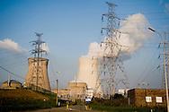 Belgie, Doel, 26 sept  2009.Kerncentrale van Doel..Foto (c) Michiel Wijnbergh.. .Nuclear energy plant, Doel, Belgium