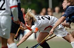 08-05-2005 HOCHEY: PINOKE-AMSTERDAM: AMSTELVEEN<br /> Amsterdam wint met 4-3 van Pinoke. Pinoke speelt door deze uitslag play out wedstrijden. - Don Prins en Daan Meurer<br /> ©2005-WWW.FOTOHOOGENDOORN.NL