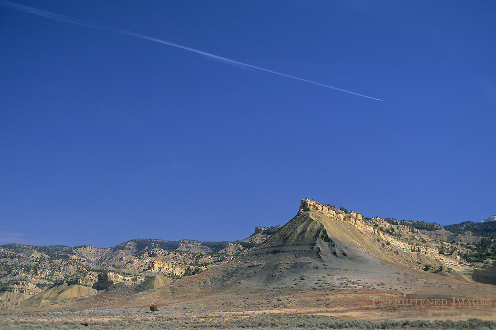 Jet contrail in clear skies over Grand Staircase Escalante Nat'l. Mon. SR 12 Scenic Byway, UTAH