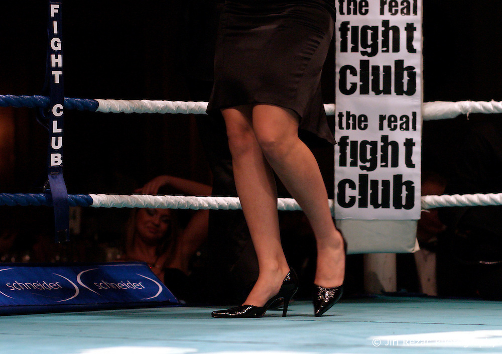 UK ENGLAND LONDON 2DEC04 - Sexy legs from ladies at the VIP Club are on display inbetween boxing rounds at the 4th Real Fight Club City Broker Christmas Bash at the London Mariott Hotel, Mayfair. The high-adrenaline contact sport of White Collar Boxing originated in New York 17 years ago and attracts mostly young males from the financial, legal and medical professions.....jre/Photo by Jiri Rezac ....© Jiri Rezac 2004....Contact: +44 (0) 7050 110 417..Mobile:  +44 (0) 7801 337 683..Office:  +44 (0) 20 8968 9635....Email:   jiri@jirirezac.com..Web:    www.jirirezac.com....© All images Jiri Rezac 2004 - All rights reserved.