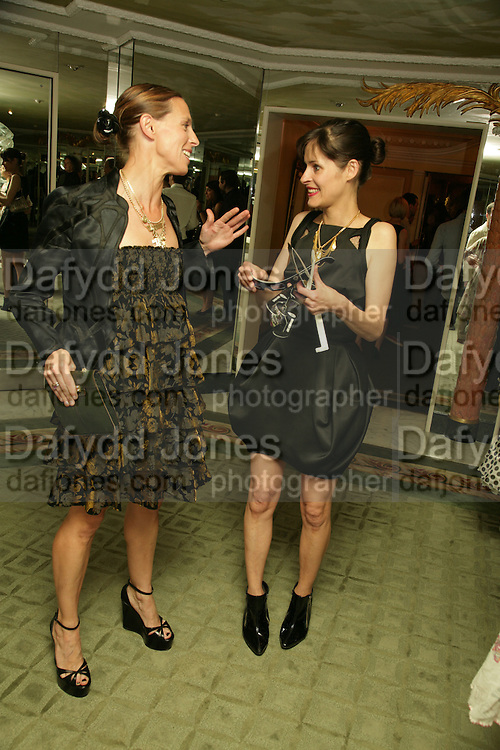 GABRIELLE HIRST AND JULIETTE LARTHE, Beyond Belief-Damien Hirst. White Cube Hoxton and Mason's Yard.Party  afterwards at the Dorchester. Park Lane. 2 June 2007.  -DO NOT ARCHIVE-© Copyright Photograph by Dafydd Jones. 248 Clapham Rd. London SW9 0PZ. Tel 0207 820 0771. www.dafjones.com.