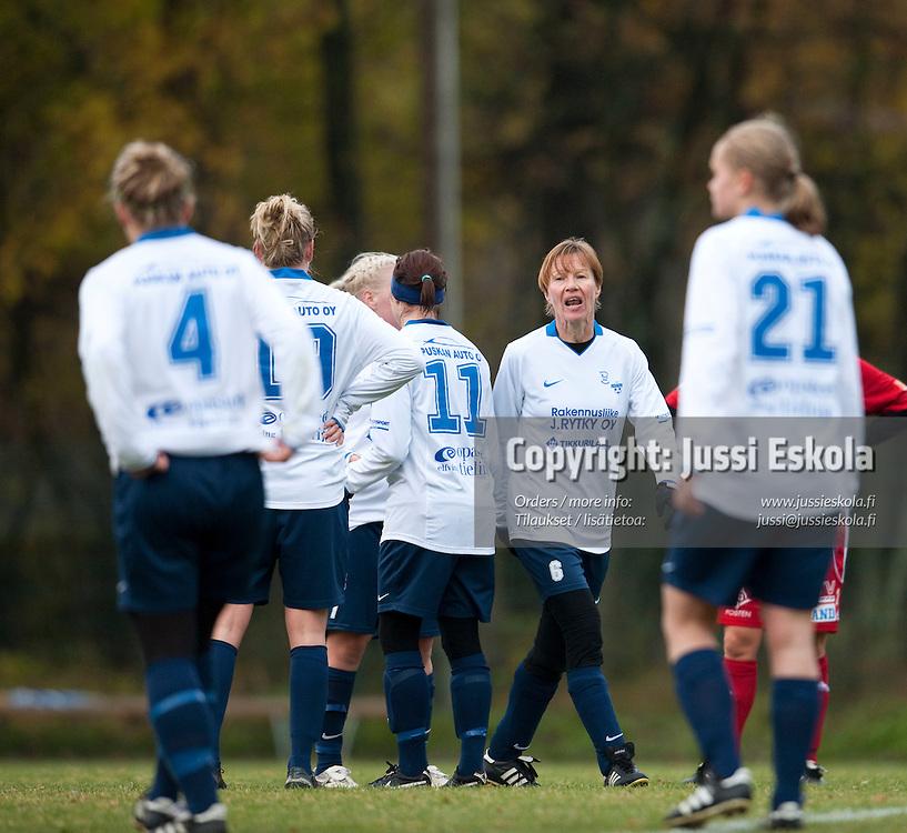 Maija Liukkonen. PuiU - Åland United. Naisten Liiga, Helsinki 18.10.2009. Photo: Jussi Eskola