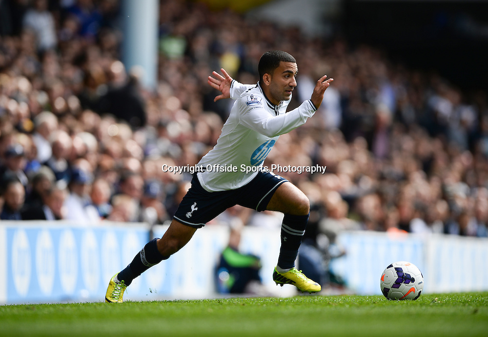 19 April 2014 - Barclays Premier League - Tottenham Hotspur v Fulham - Aaron Lennon of Tottenham Hotspur - Photo: Marc Atkins / Offside.