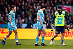 Jono Lance acts as a water boy for Worcester Warriors - Mandatory by-line: Robbie Stephenson/JMP - 16/02/2019 - RUGBY - Twickenham Stoop - London, England - Harlequins v Worcester Warriors - Gallagher Premiership Rugby