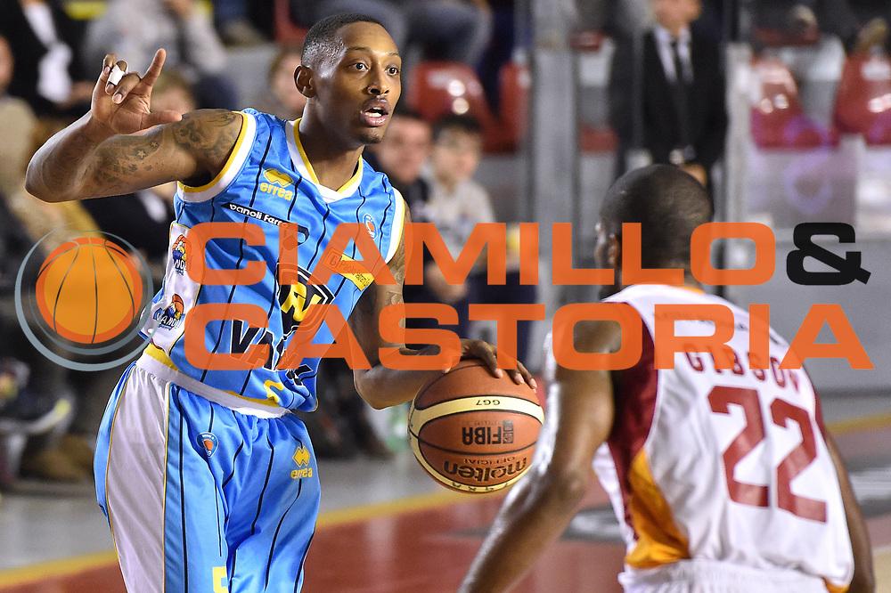 DESCRIZIONE : Roma Lega A 2014-15 Acea Roma vs Vanoli Basket Cremona<br /> GIOCATORE : Hayes Kenny<br /> CATEGORIA : Palleggio<br /> SQUADRA :Vagoli Basket Cremona<br /> EVENTO : Campionato Lega A 2014-2015 GARA : Acea Roma vs Vanoli Basket Cremona<br /> DATA : 07/12/2014 <br /> SPORT : Pallacanestro <br /> AUTORE : Agenzia Ciamillo-Castoria/GiulioCiamillo <br /> Galleria : Lega Basket A 2014-2015 <br /> Fotonotizia : Acea Roma Lega A 2014-15 Acea Roma vs Vanoli Basket Cremona<br /> Predefinita :