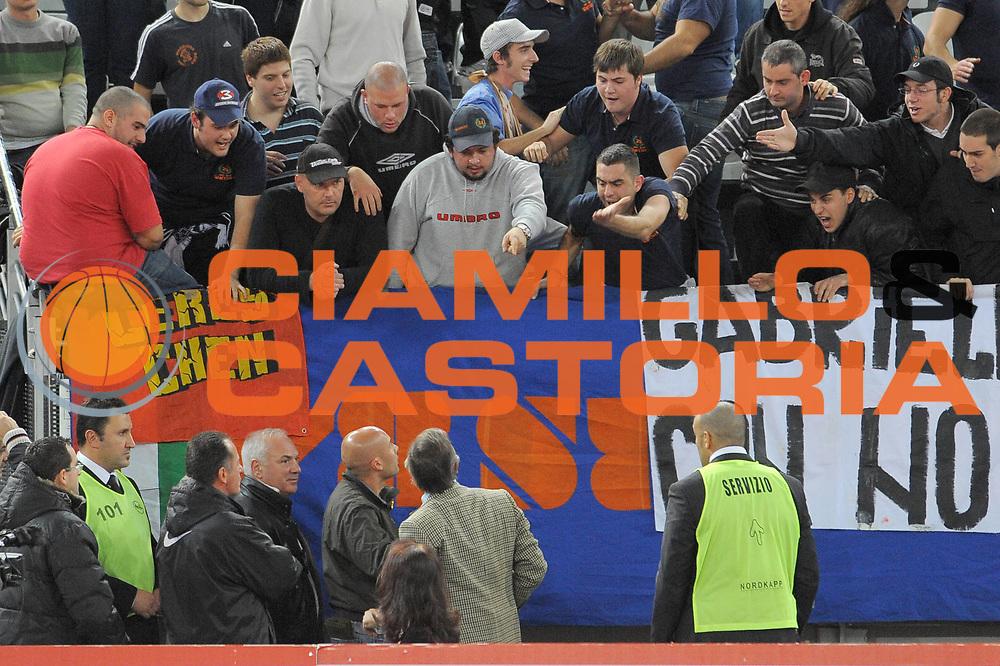 DESCRIZIONE : Roma Lega A 2009-10 Lottomatica Virtus Roma NGC Medical Cantu<br /> GIOCATORE : Claudio Toti<br /> SQUADRA : Lottomatica Virtus Roma<br /> EVENTO : Campionato Lega A 2009-2010<br /> GARA : Lottomatica Virtus Roma NGC Medical Cantu<br /> DATA : 29/11/2009<br /> CATEGORIA : Delusione<br /> SPORT : Pallacanestro<br /> AUTORE : Agenzia Ciamillo-Castoria/G.Vannicelli<br /> Galleria : Lega Basket A 2009-2010<br /> Fotonotizia : Roma Campionato Italiano Lega A 2009-2010 Lottomatica Virtus Roma NGC Medical Cantu<br /> Predefinita :
