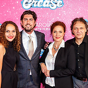 NLD/Tilburg/20150913 - Premiere musical Grease, Lennart Timmermans en zus Vajen van den Bosch en ouders