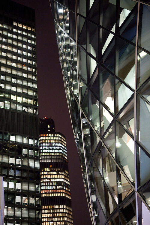 Nov/Dec 2011 - Stock photo shoot - Greenpeace Int - Transport, Travel , London - office buildings at night