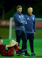 KIRKBY, ENGLAND - Friday, August 25, 2017: Liverpool's Under-18 manager Steven Gerrard and Rob Jones during an Under-18 FA Premier League match between Liverpool and Newcastle United at the Kirkby Academy. (Pic by David Rawcliffe/Propaganda)