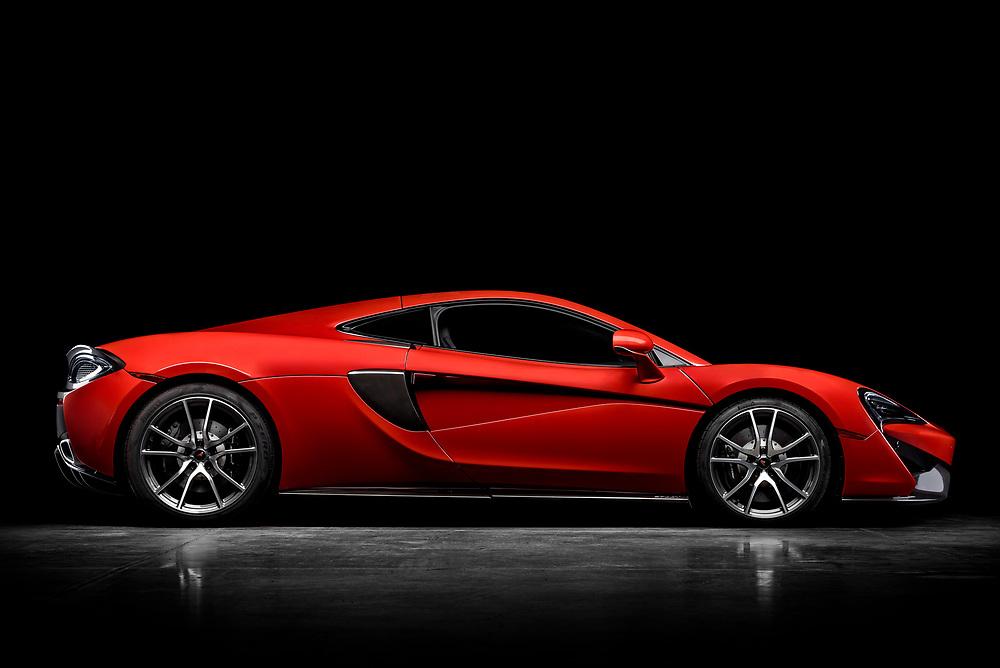 McLaren 570GT in the studio. | Simraceway