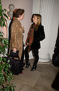 Justine Picardie and Sam Taylor Wood. Mario Testino, Bianca Jagger and Kenneth Cole celebrate Women to Women: Positively Speaking. - A publication to raise awareness of women living with Aids. The Orangery, Kensington Palace. 2 December 2004. ONE TIME USE ONLY - DO NOT ARCHIVE  © Copyright Photograph by Dafydd Jones 66 Stockwell Park Rd. London SW9 0DA Tel 020 7733 0108 www.dafjones.com