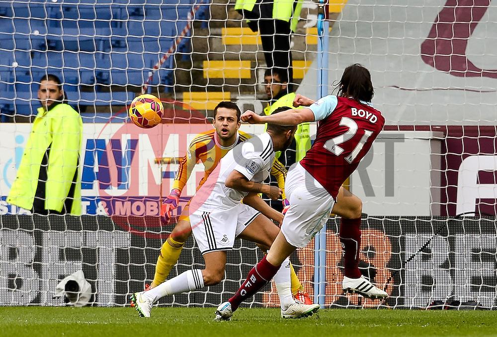 Burnley's George Boyd fires a shot towards goal    - Photo mandatory by-line: Matt McNulty/JMP - Mobile: 07966 386802 - 28/02/2015 - SPORT - Football - Burnley - Turf Moor - Burnley v Swansea City - Barclays Premier League