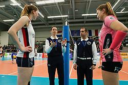 20180110 NED: CEV CUP Sliedrecht Sport - Beziers Angels VB: Sliedrecht<br />Eva Tomec of Slovenia, Christos Maifoshis of Cyprus doing the toss <br />&copy;2018-FotoHoogendoorn.nl / Pim Waslander