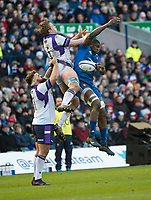EDINBURGH, SCOTLAND - FEBRUARY 11: Scotland's Jonny Gray and French flanker, Yacouba Camera, jump for the ball during the NatWest Six Nations match between Scotland and France at Murrayfield on February 11, 2018 in Edinburgh, Scotland. (Photo by MB Media/Getty Images)