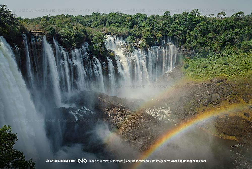 Arco Íris nas Quedas de Calandula (Kalandula) ex Duque de Bragança, no rio Lucala que é o maior afluente do rio Cuanza (Kwanza). Província de Malange, Angola