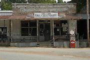 Taylor's Grocery. Photo.©Suzi Altman