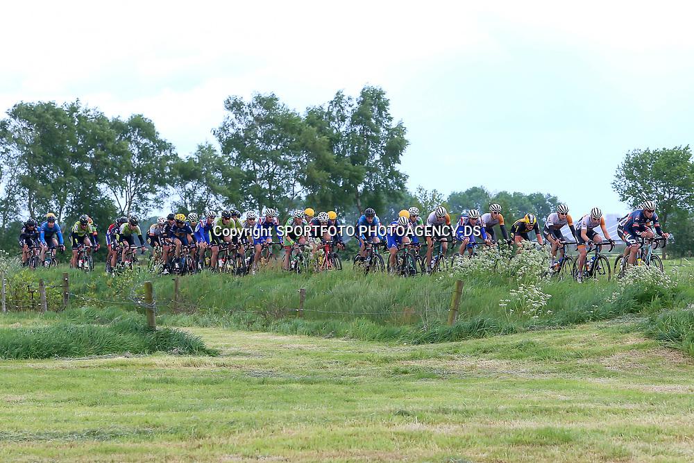 RIJSSEN (NED) wielrennen<br /> Met 64 edities is de ronde van Overijssel een van de oudste wielerkoersen in Nederland. Olkympisch schaatskampioen Sven Kramer voert de forcing in de eerste groep