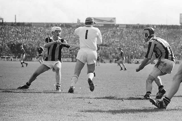 Players challenge for ball during the All Ireland Senior Hurling Final - Kilkenny v Galway, Kilkenny 2-12, Galway 1-8, 2nd September 1979.