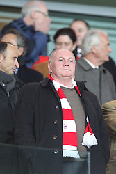 19.02.2014, Emirates Stadion, London, ESP, UEFA CL, FC Arsenal vs FC Bayern Muenchen, Achtelfinale, im Bild Praesident Uli HOENESS (FC Bayern Muenchen) fassungslos, verzweifelt, ratlos, Gestik, zerstoert, frustriert, Emotion, // during the UEFA Champions League Round of 16 match between FC Arsenal and FC Bayern Munich at the Emirates Stadion in London, Great Britain on 2014/02/19. EXPA Pictures © 2014, PhotoCredit: EXPA/ Eibner-Pressefoto/ Kolbert<br /> <br /> *****ATTENTION - OUT of GER*****