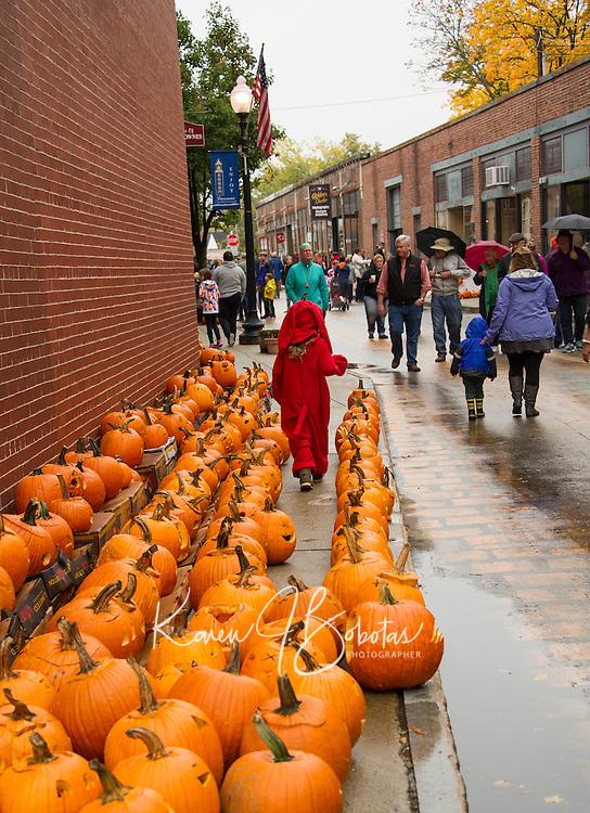Pumpkin Fest Laconia 2016.  ©2016 Karen Bobotas Photographer