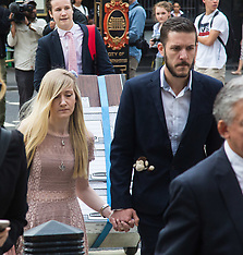 2017-07-13 Terminally ill baby Charlie Gard's parents arrive at High Court, London