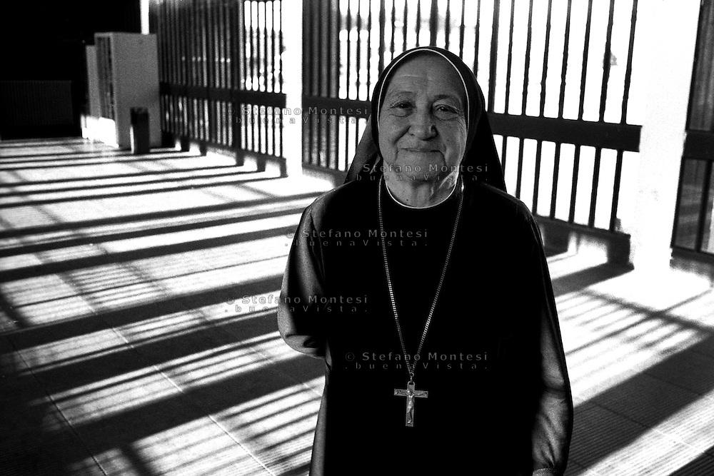 Roma Giugno 2000.Carcere di Rebibbia N.C..Suor Gervasa, che opera nel carcere di Rebibbia..Rome June 2000.Prison Rebibbia N.C..Sister Gervasa, who works in the prison of Rebibbia.