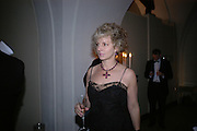 Harriet Sergeant. The Leader's Dinner ( Michael Howard's ) Banqueting House. Whitehall. London.  November 2005. ONE TIME USE ONLY - DO NOT ARCHIVE  © Copyright Photograph by Dafydd Jones 66 Stockwell Park Rd. London SW9 0DA Tel 020 7733 0108 www.dafjones.com