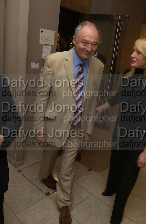 Ken Livingstone, Party hosted by Linda Evangelista and Mac Cosmetics. The Hospital. London. 18 September 2005. ONE TIME USE ONLY - DO NOT ARCHIVE © Copyright Photograph by Dafydd Jones 66 Stockwell Park Rd. London SW9 0DA Tel 020 7733 0108 www.dafjones.com
