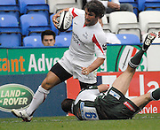 Reading, GREAT BRITAIN,  Falcons, Tom MAY, tries to round Paul HODGSON, during, the Guinness Premiership match London Irish vs Newcastle Falcons, at Madejski. England, Sun. 23.09.2007  [Mandatory Credit, Peter Spurrier/Intersport-images].....