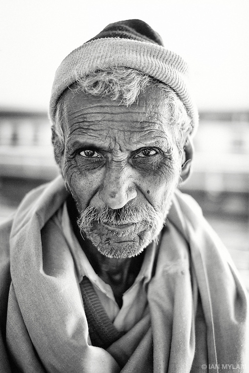 Portrait of an elderly man at Jodphur Railway Station