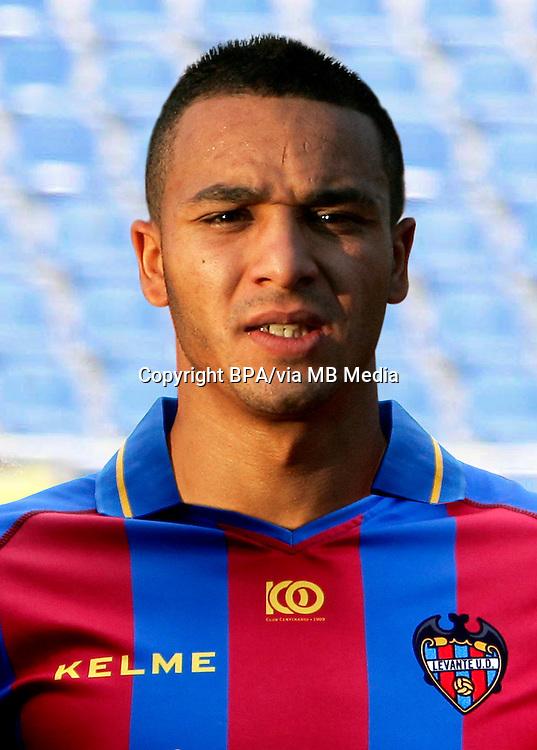 Nabil El Zhar ( Levante UD )