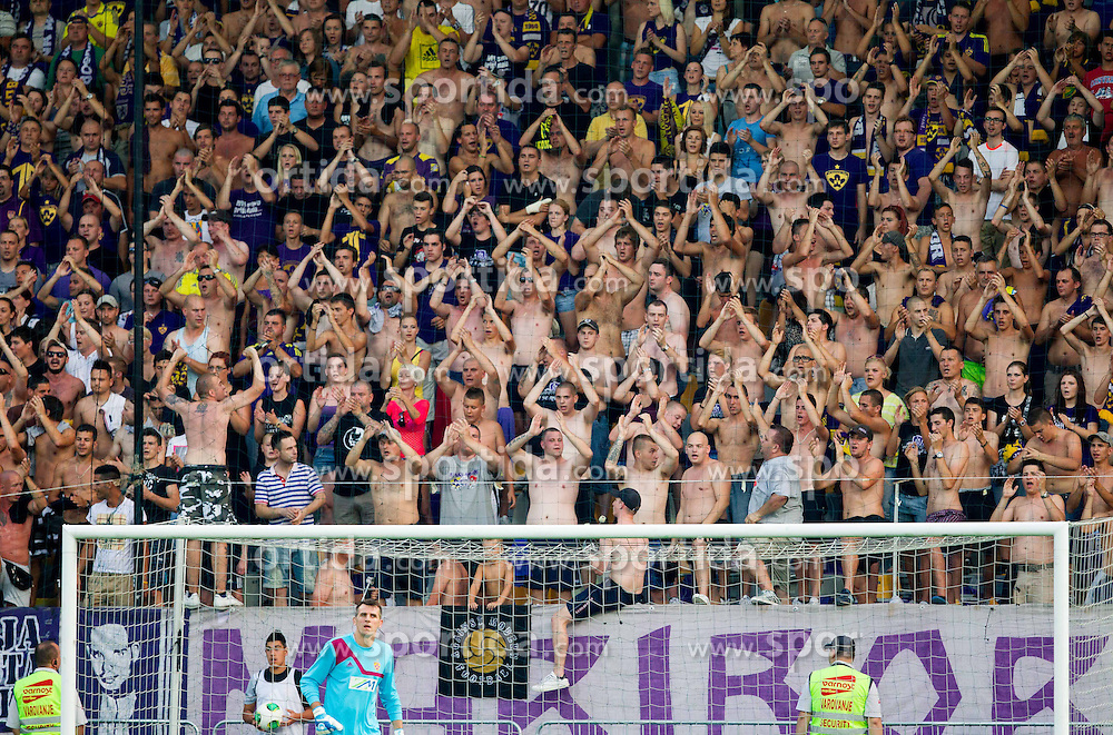 Viole, Supporters of Maribor during football match between NK Maribor and APOEL FC, (Cyprus) in Third qualifying round, Second leg of UEFA Champions League 2014, on August 6, 2013 in Stadium Ljudski vrt, Maribor, Slovenia. (Photo by Vid Ponikvar / Sportida.com)