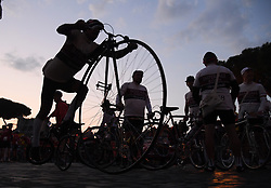 ROME, Oct. 14, 2018  Cyclists wait at the start line before the ''Campagnolo Granfondo Roma'' cycling event in Rome, Italy, Oct. 14, 2018. About 5,000 cyclists take part in the seventh edition of the ''Campagnolo Granfondo Roma' (Credit Image: © Alberto Lingria/Xinhua via ZUMA Wire)