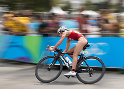 20.08.2016, Fort Copacabana, Rio de Janeiro, BRA, Rio 2016, Olympische Sommerspiele, Triathlon, Damen, im Bild Nicola Spirig Hug (SUI) // Nicola Spirig Hug of Switzerland during the Womens Triathlon of the Rio 2016 Olympic Summer Games at the Fort Copacabana in Rio de Janeiro, Brazil on 2016/08/20. EXPA Pictures © 2016, PhotoCredit: EXPA/ Johann Groder